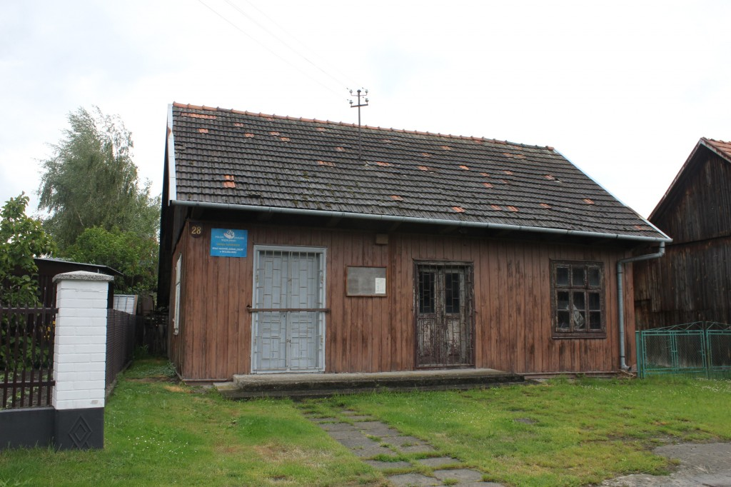 Former prayer-house of Bolesław Jews. Now used by fishing association.